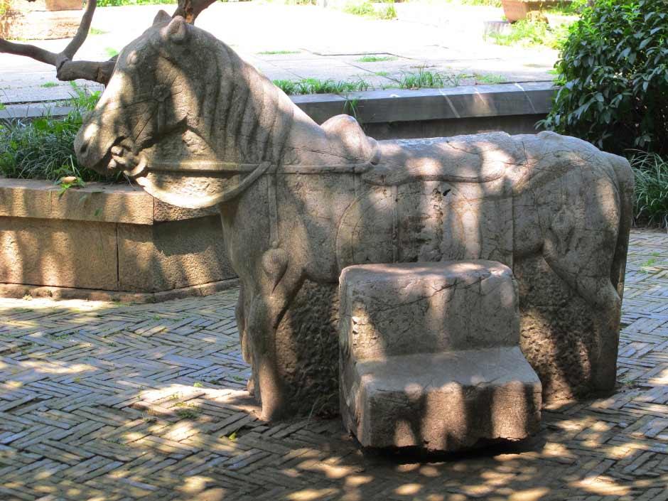 Suzhou temple horse