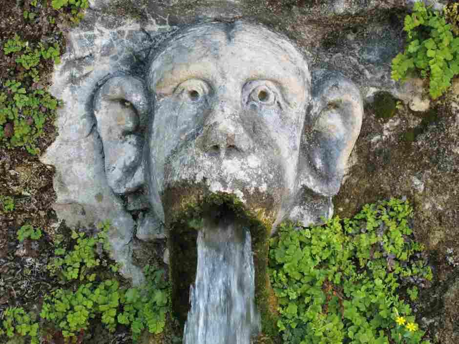 100 fountains face1
