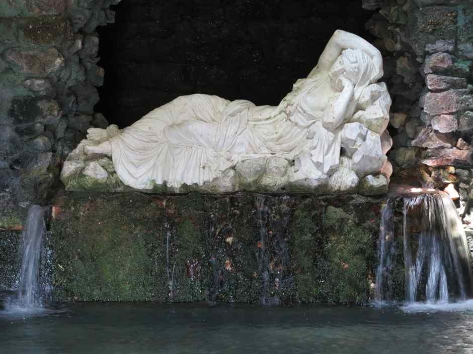 Stourhead grotto, sleeping Ariadne