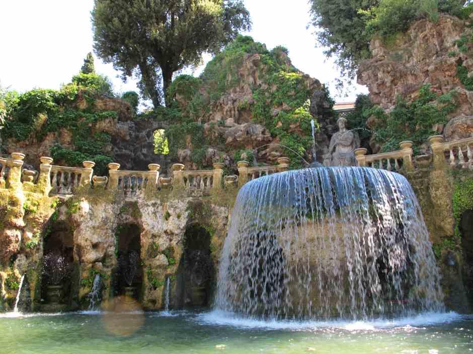 Vilal D'Este, ovate fountain