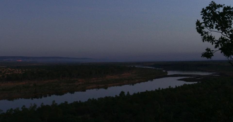 Pentacost River dusk_fire