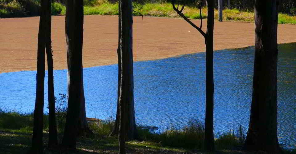 Valla dam, blue and brown