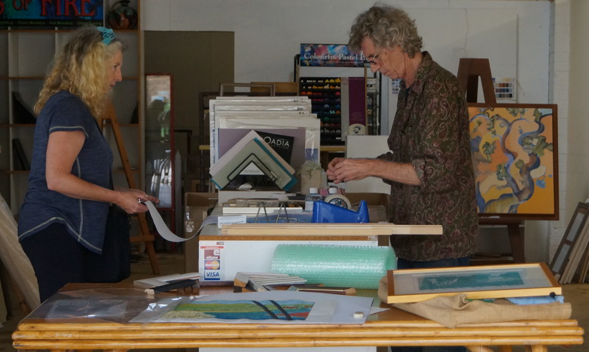 Wyn and Eddie of Matilda St Gallery Macksville at work