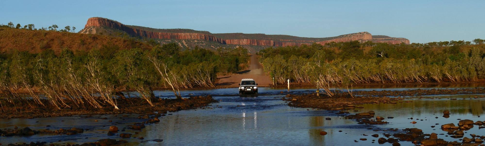 Pentacost River_crossing_Cockburn Range1w