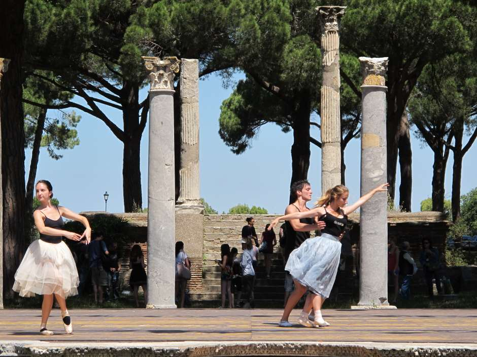 Romeo & Juliet, Ostia Antica