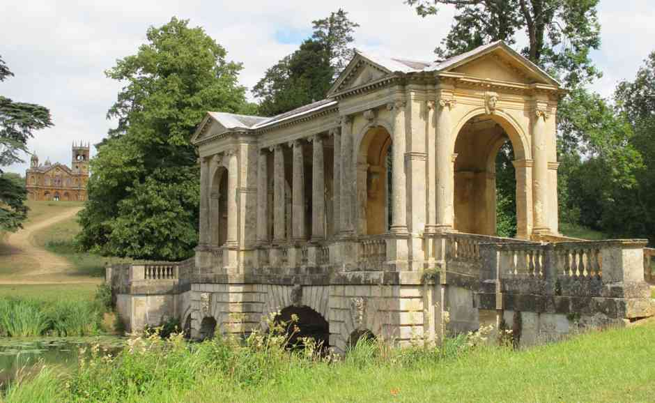Stowe, Palladian bridge with Gothic Temple