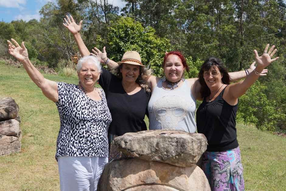 Guunumba stone circle, Auntie Bea, Joan, Eden, Lee