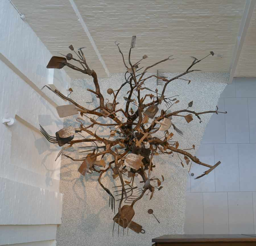 Bai Yiluo, Spring and Autumn 1 (2007), White Rabbit